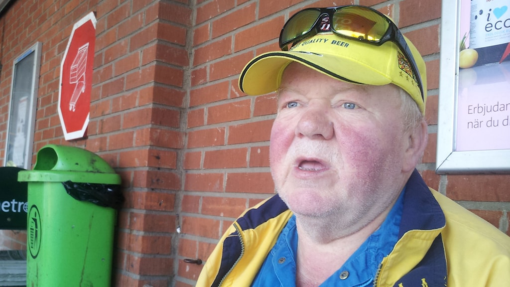 Tommy Hansen som jobbat  38 år på Jeld-Wen i Åstorp.  Foto: Lasse Olsson/Sveriges Radio