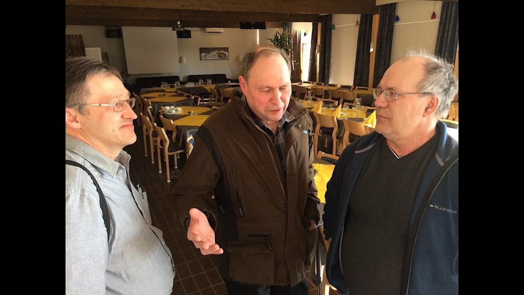 Heikki Joona och Pekka Lantto, vattenrättsägare i finska Pello som tagit en fajt med staten och Roland Juntti, svemsla Kuivakangas.