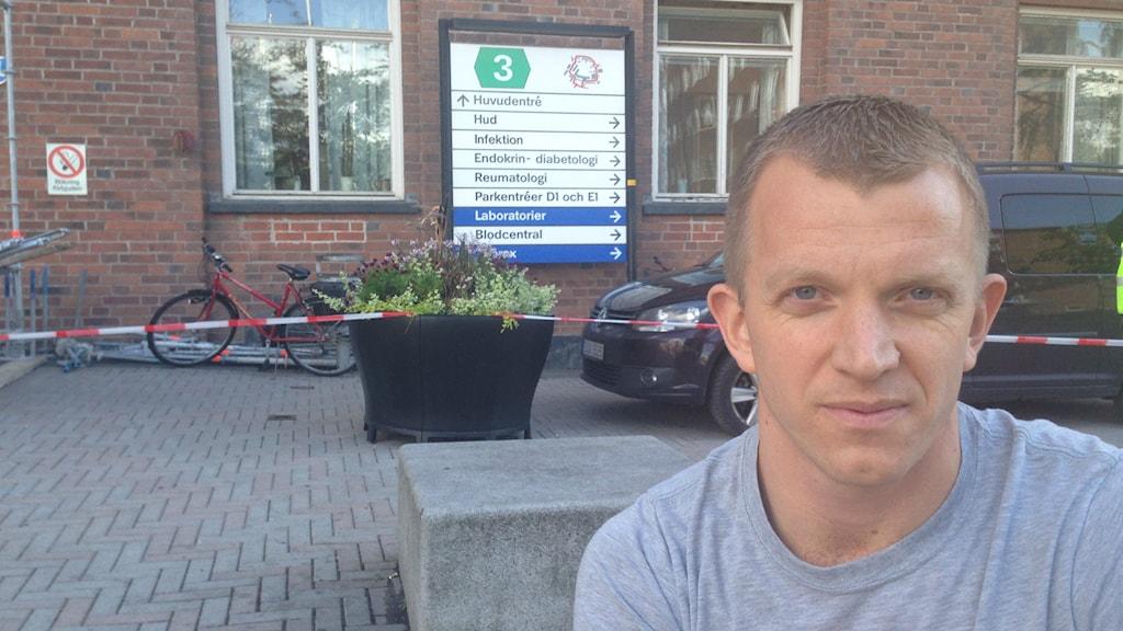 Jonas Lindberg, IVA-sköterska på Karolinska. Foto Ulf Bungerfeldt, SR