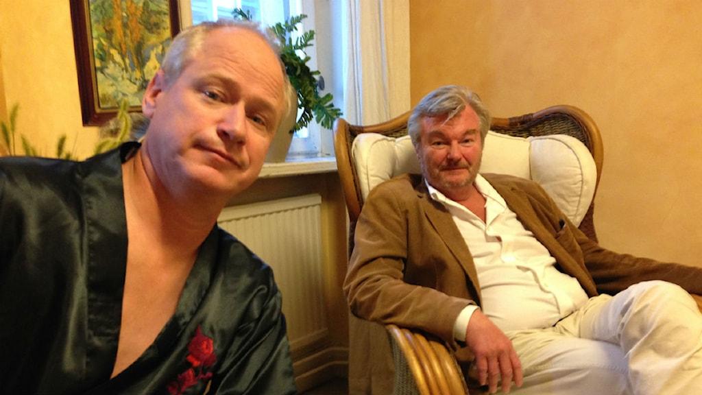 """Robert Gustafsson och Peter Dalle i ny fars. """"Lite naiv och söt"""". Foto: Björn Lindberg/SR"""