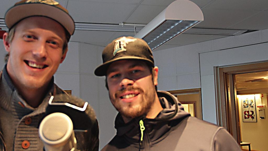 Spelarna Sebastian Magnusson och Stefan Söder från Krif. Foto: Daniel Kjellander/Sveriges Radio