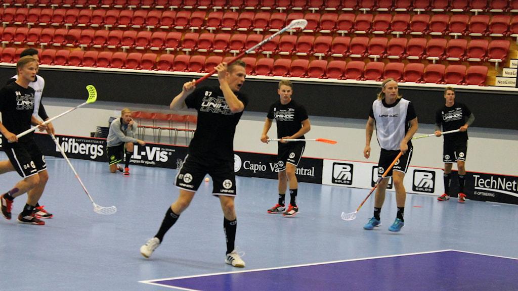 Växjö Vipers tränar i Fortnox Arena. Foto: Anna Tigerström/Sveriges Radio