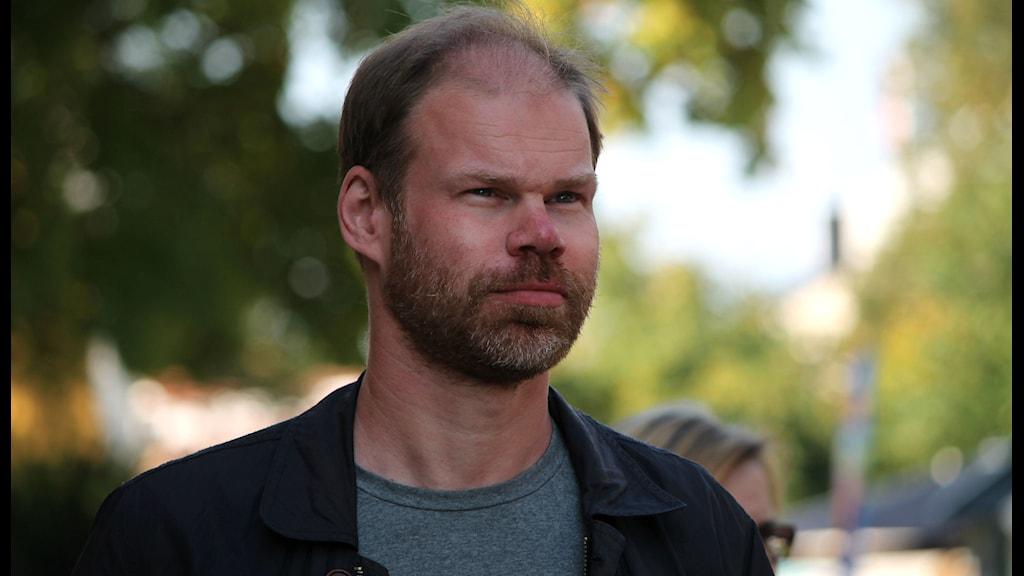 Håkan Steen gästar Förmiddag i P4. Foto: Emma Kvennberg/Sveriges Radio