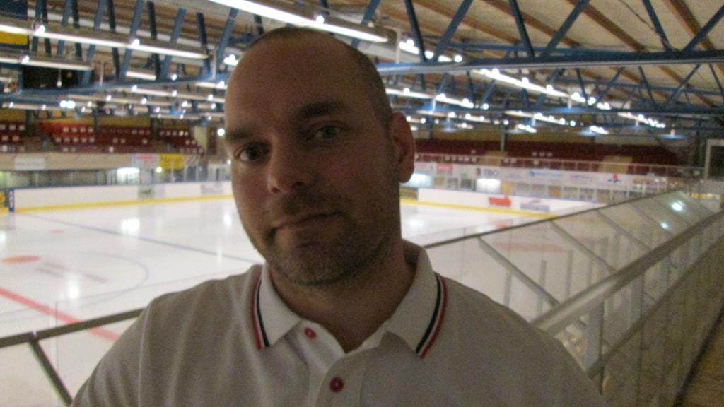 IFK Arbogas tränare Andreas Svedberg. Foto: Hans Sjöström/Sveriges Radio