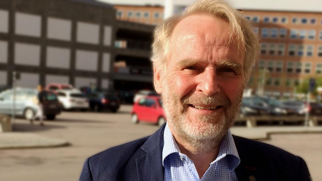 pengar ledsagare avsugning nära Västerås