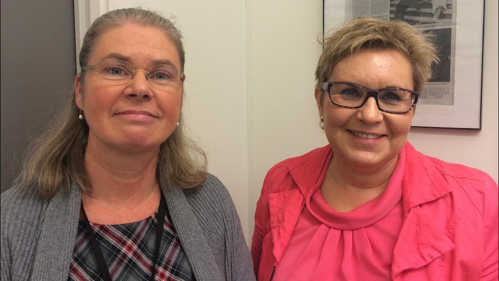 Forskaren Anna Höglund och sjuksköterskan Inger Holmström. Foto: Ullas de Verdier/SR.