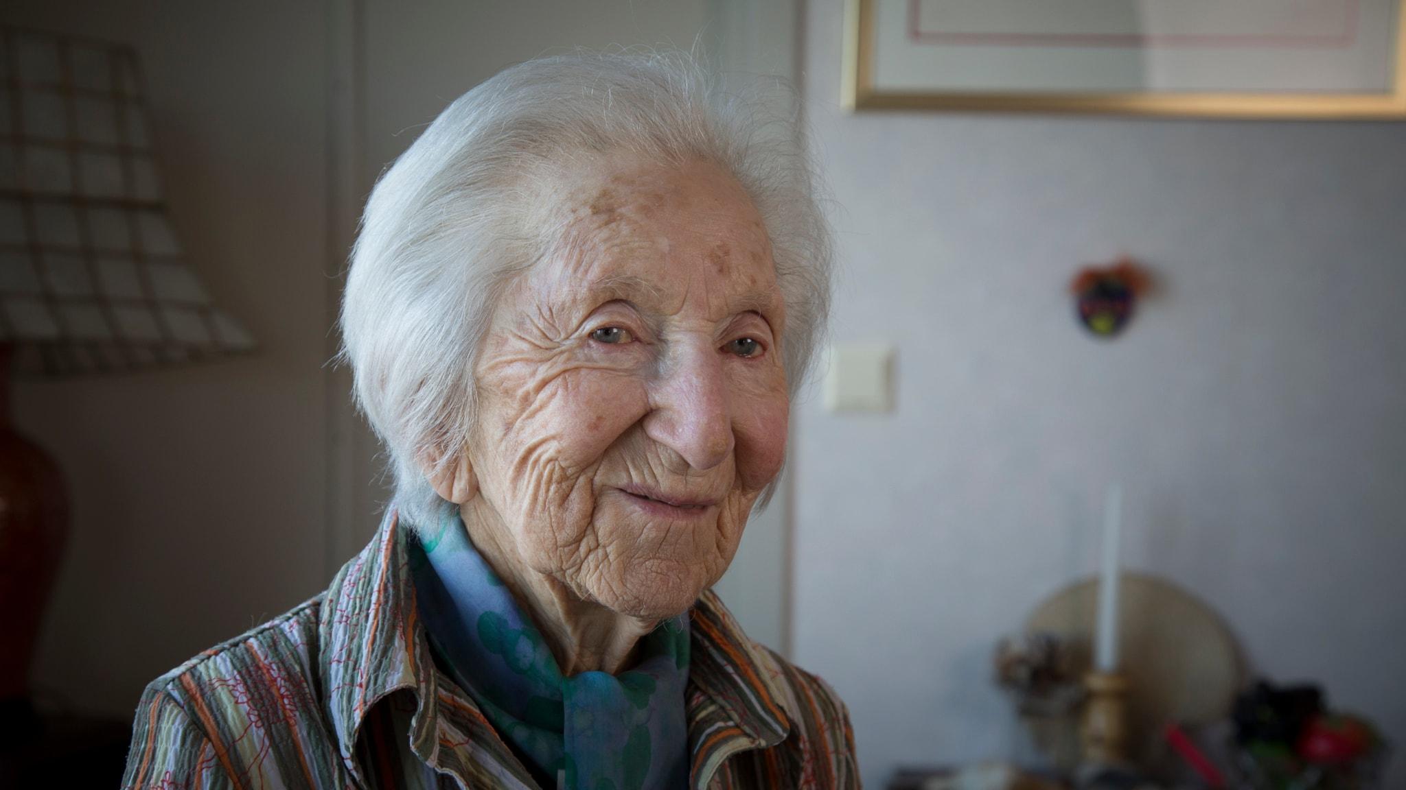 Hédi Fried - om att överleva Auschwitz - spela
