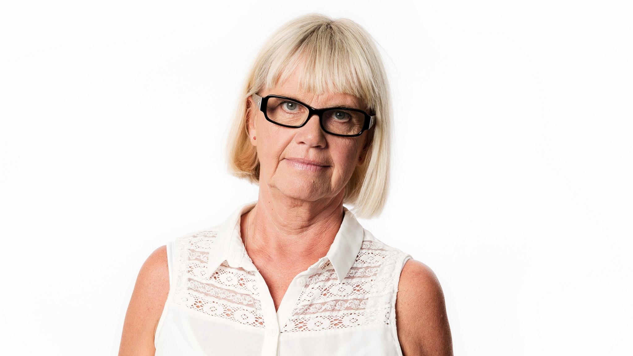 Dödspatruller och en fimp: Ekots Margita Boström i Manila