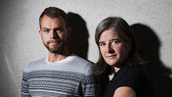 Kultur och samhällsprogram med samtal och reportage som rör sig i gränslandet mellan internationell debatt och svensk vardag.