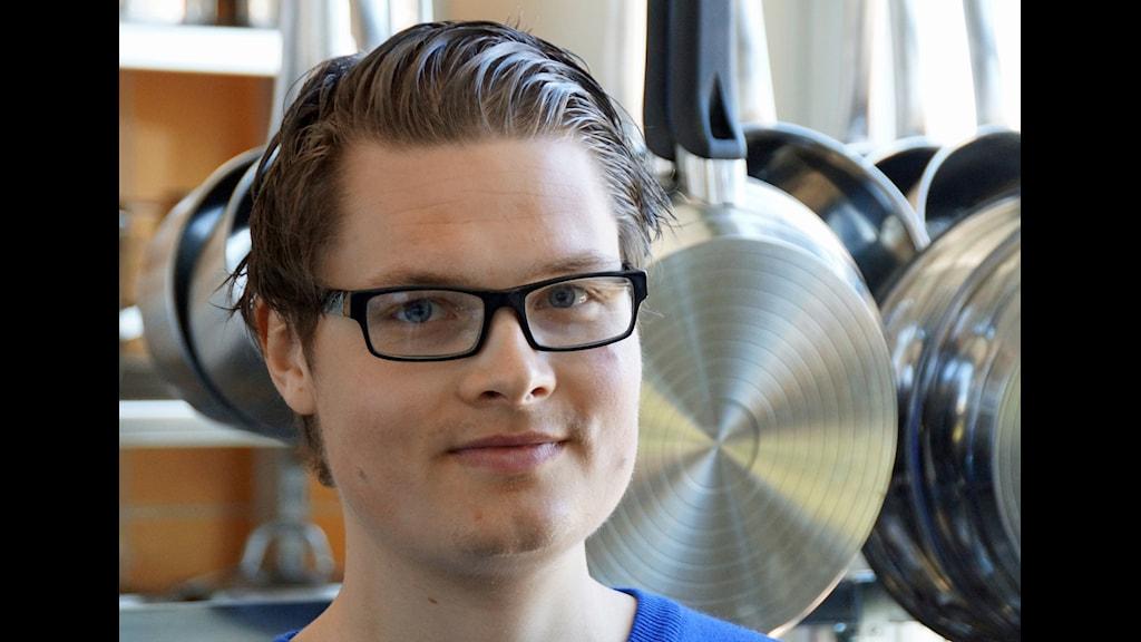 Nicklas Neuman forskar om mat och måltider ur ett maskulinitetsperspektiv. (Foto: Urban Björstadius)