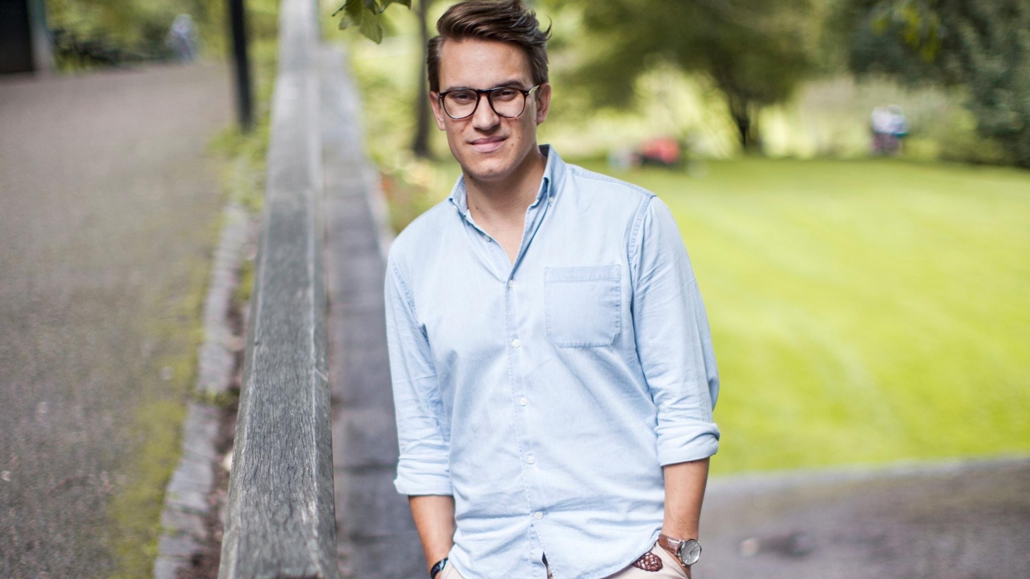 En fotsid dräkt åt honom - Erik Andersson