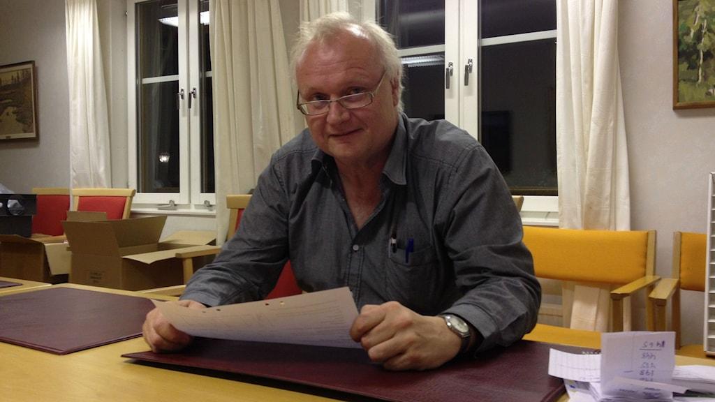 Valsamordnare Anders Andersson började räkna röster i folkomröstningen redan i natt. Foto : Isabelle Strengbom/Sveriges Radio