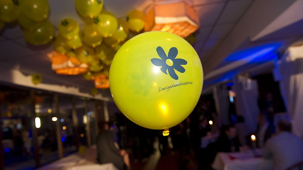 Ballong på Sverigedemokraternas valvaka  Foto: Fredrik Sandberg / TT