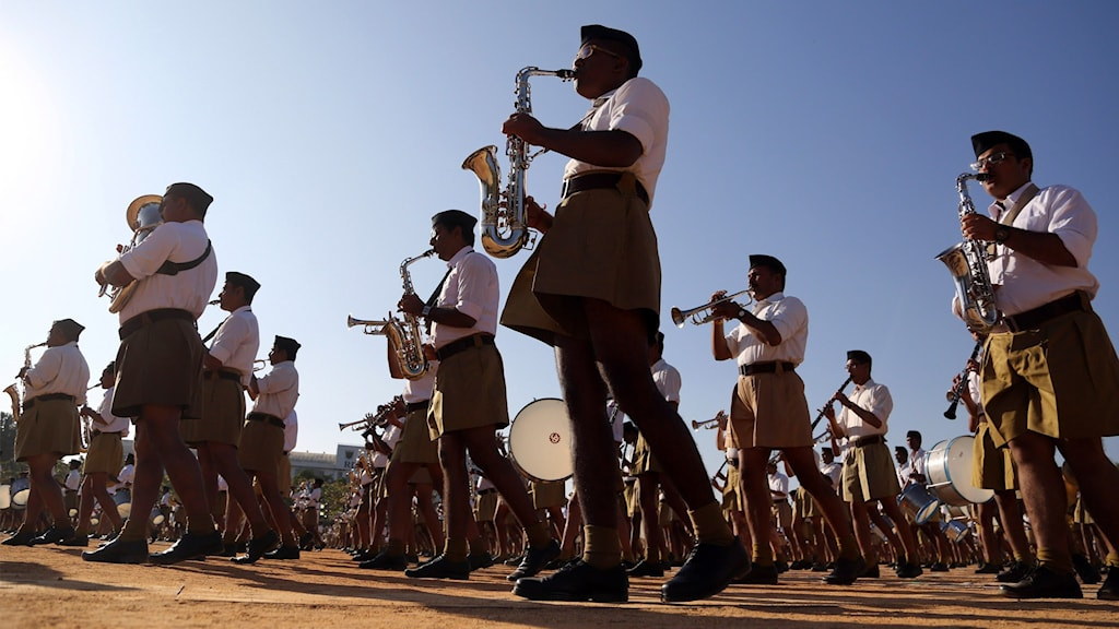 RSS-nationalister uppträder i Bangalore, Indien.