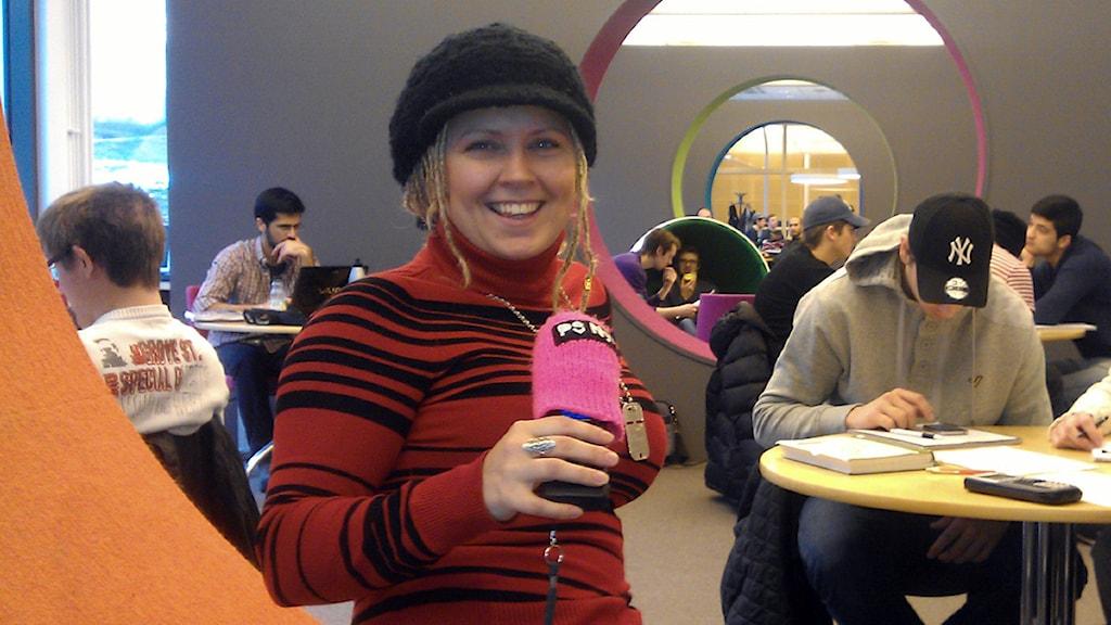 Kim Restad är den enda tjejen på civilingenjörsprogrammet i spel- och programvaruteknik i Karlskrona. Foto: Lars-Peter Hielle/P3 Nyheter