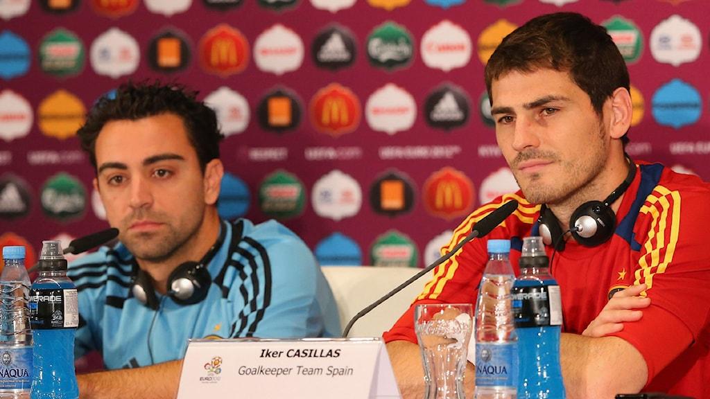 Xavi och Casillas. Foto: Scanpix