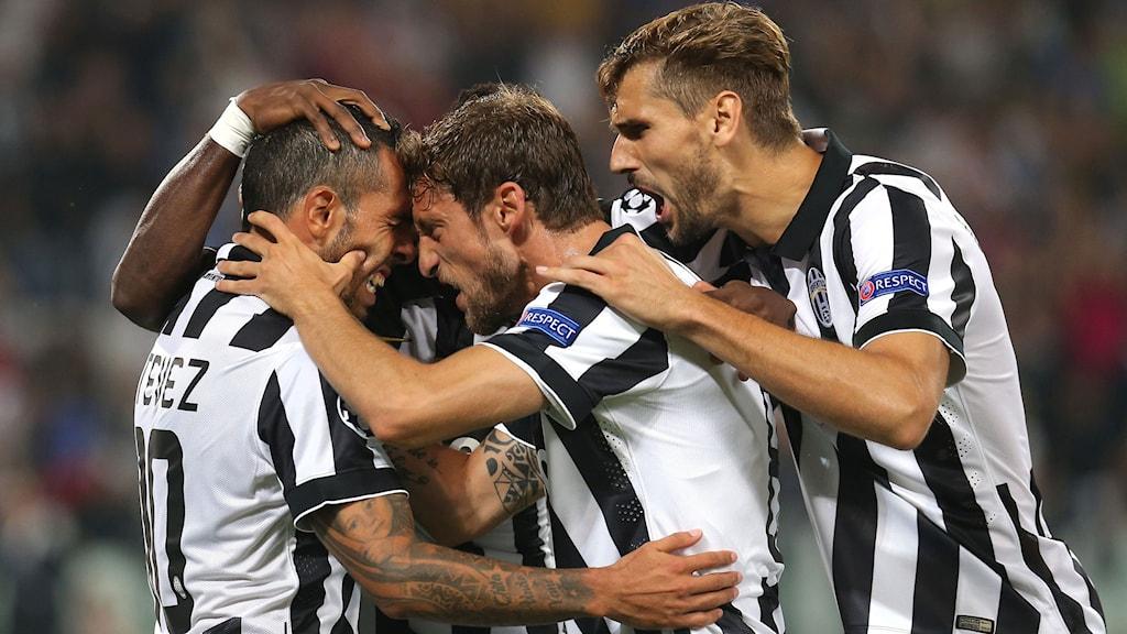 Juventusspelare jublar efter Carlos Tevez mål mot Malmö FF. Foto: AFP/TT