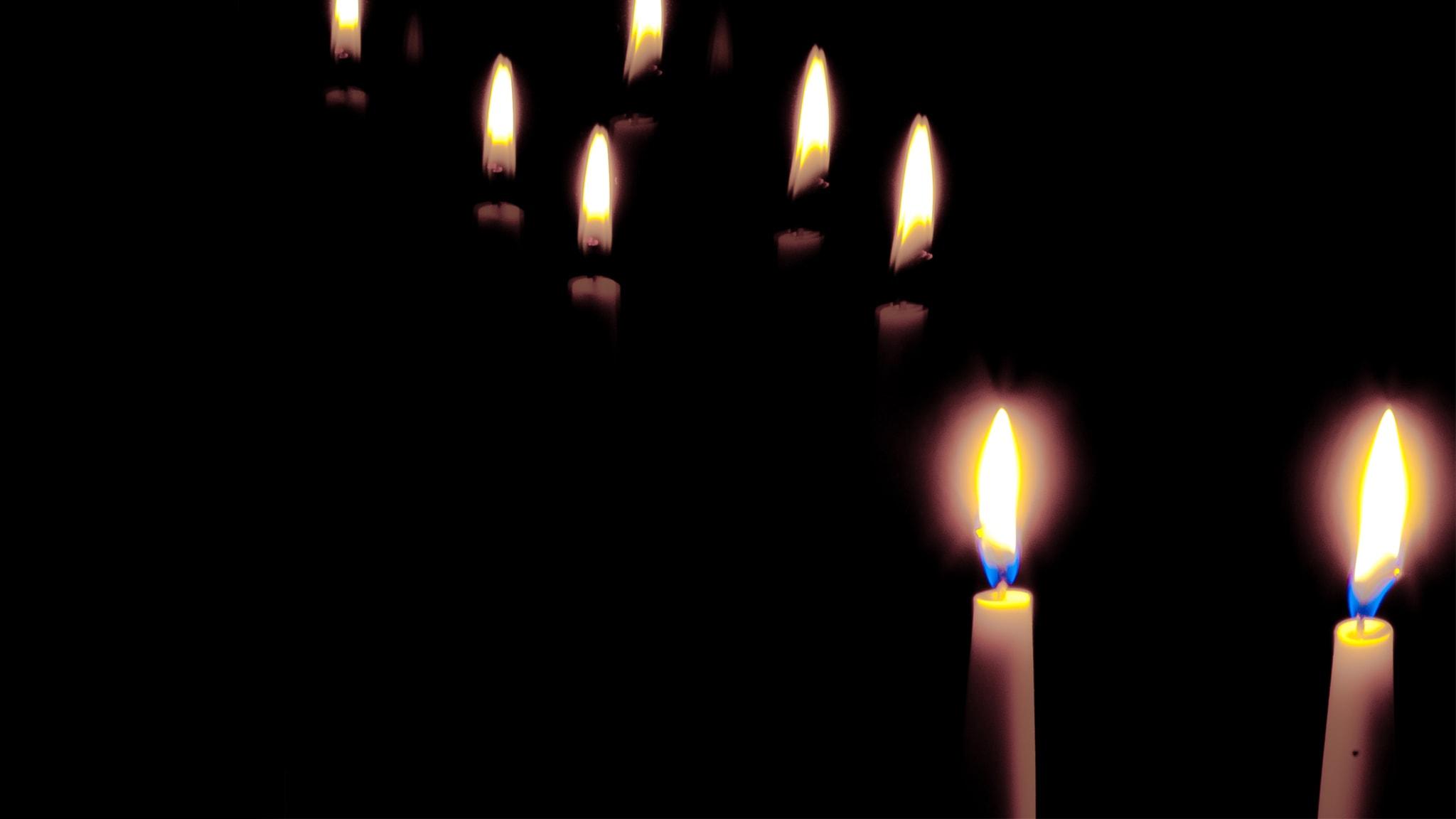 Mustilta kaduilta lämpimiin valoihin
