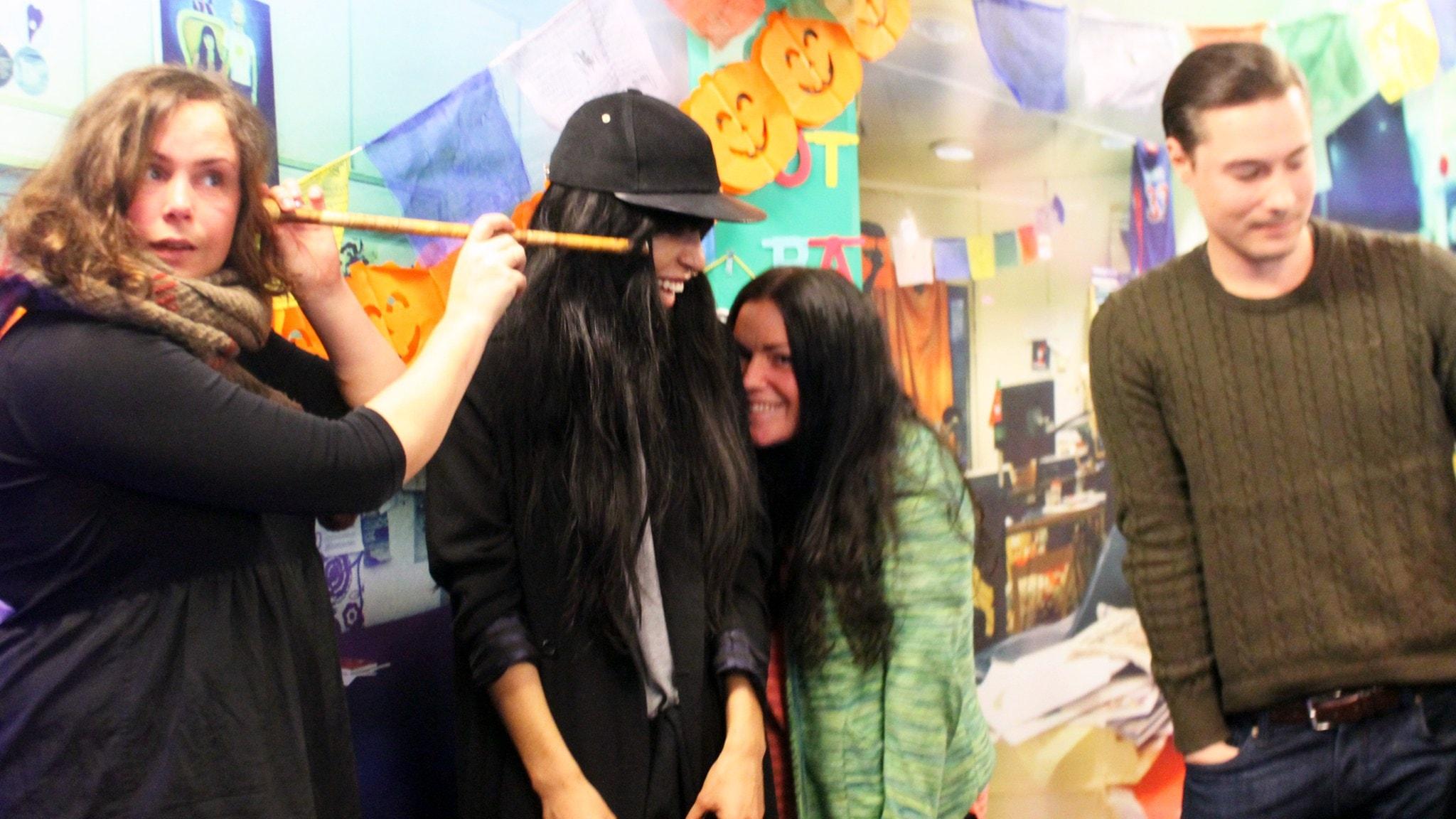 Martinas fotospaning, Bumpa jao & Loreen
