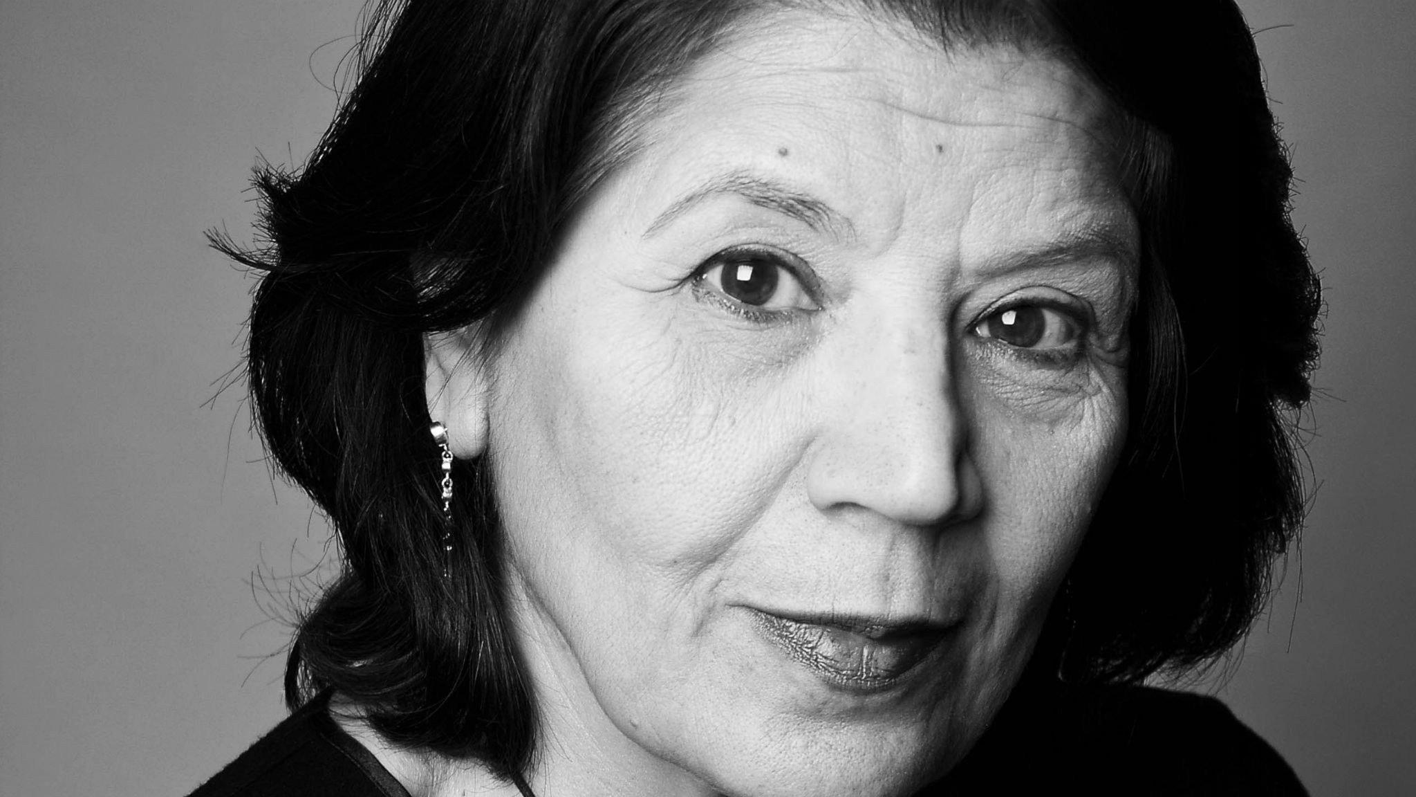 Månadens diktare: Jila Mossaed