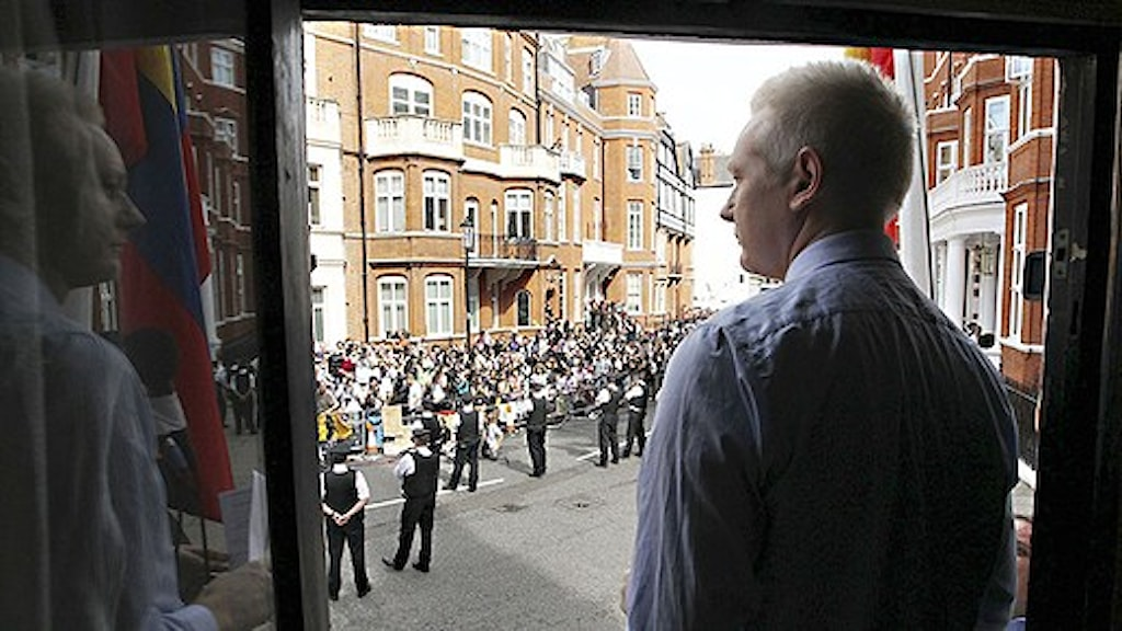 Sweden should put pressure to extradite Assange