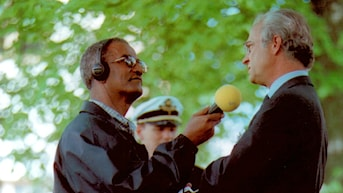Azariah Kiros interviews King Carl Gustaf, Photo: Radio Sweden