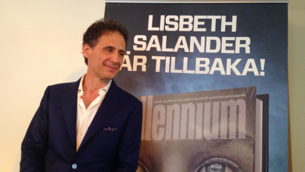 Author David Lagercrantz in front of the cover for the new sequel. Photo: Frank Radosevich / Radio Sweden.