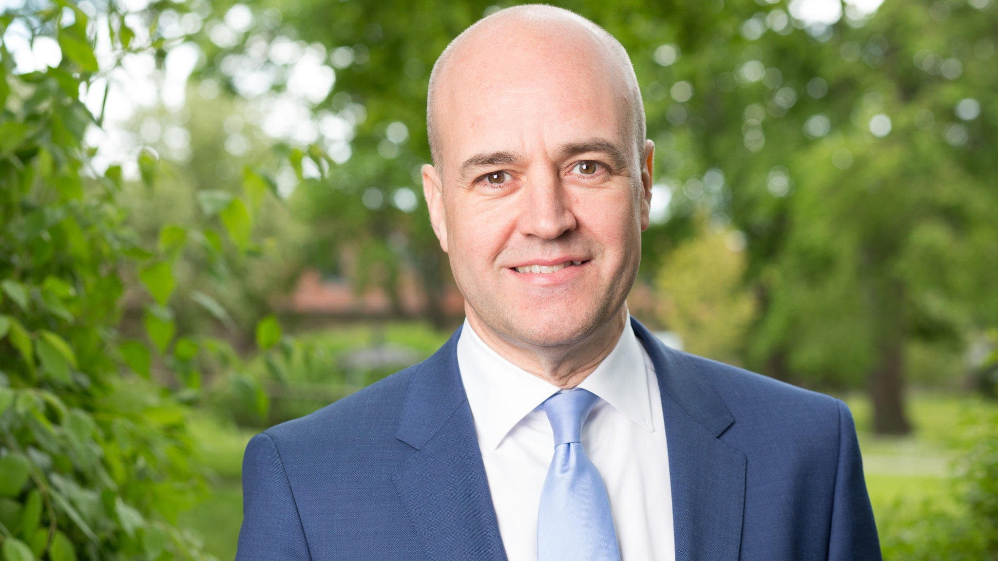 Fredrik Reinfeldt - spela