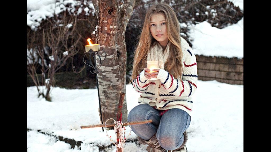 12-åriga Emelie är programledare för Snoffe döden och jag. Torsdag den 7 mars 2013 är det premiär i Barnkanalen klockan 18.30. Foto: SVT