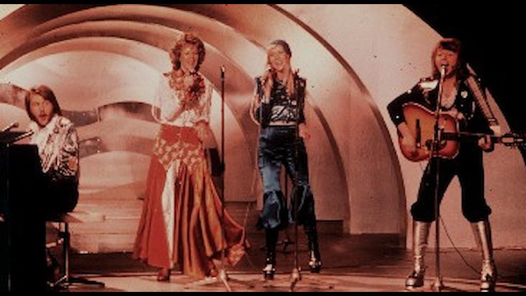 ABBA vinner Melodifestivalen i Stockholm 1974 och gick vidare till i Eurovisionschlagerfinalen i Brighton, England, som de senare vann. Foto: Scanpix