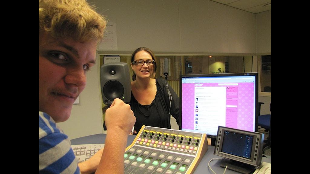 Fredrik Boltes och Anne-Lie Lokko i studion - Morgonskiftet