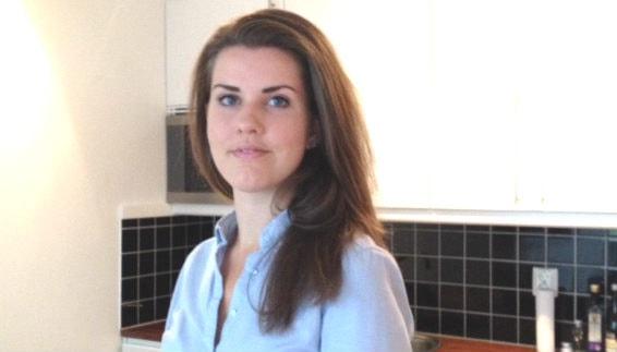 Julia Mäkitalo Blent auttaa kerjäläisiä verkostojen kautta