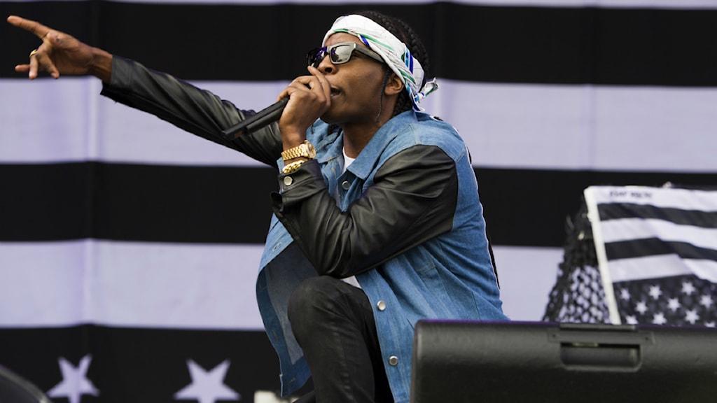 """Den här veckan börjar vi spela Tinashé & A$AP Rockys låt """"Pretend"""" på Din Gata. Foto: Charles Sykes/TT"""