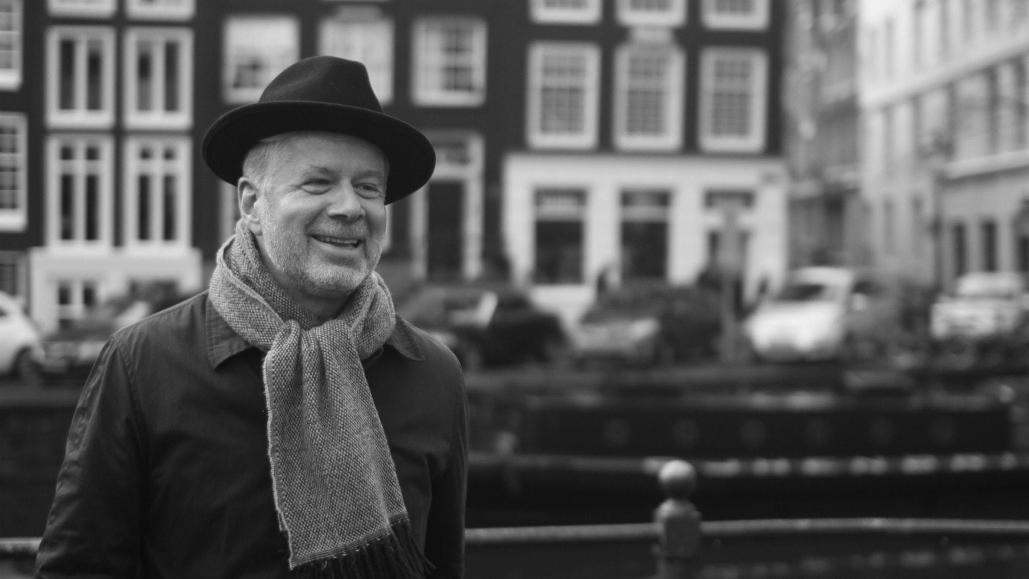 Malmö, fotboll och politik - möt Magnus Gertten som tilldelats landets finaste dokumentärfilmspris