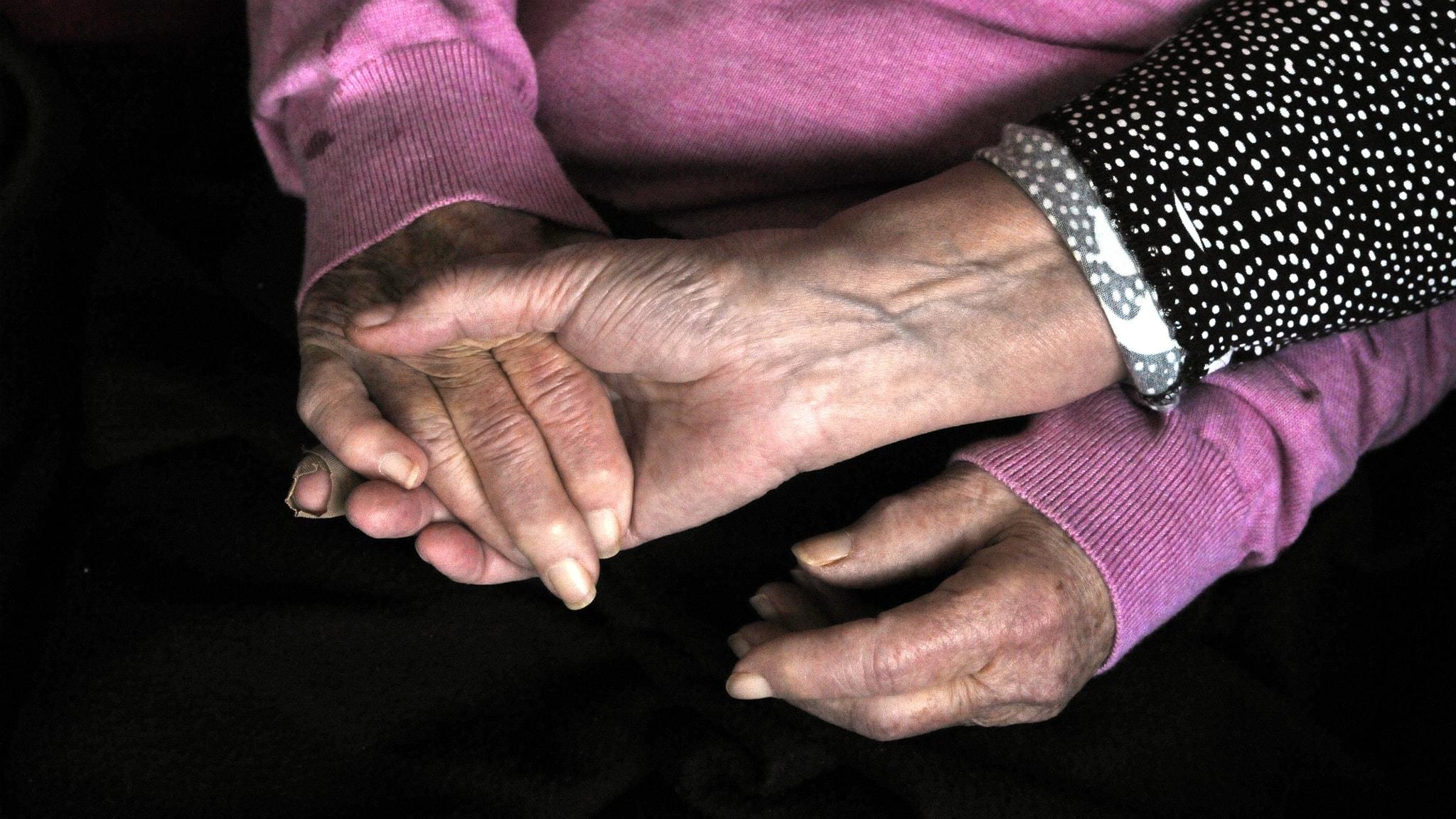 Att leva nära någon som är sjuk i cancer