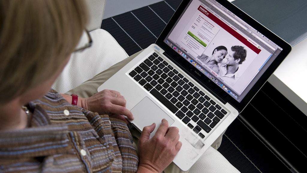 Kärlek bedrägerier på nätet