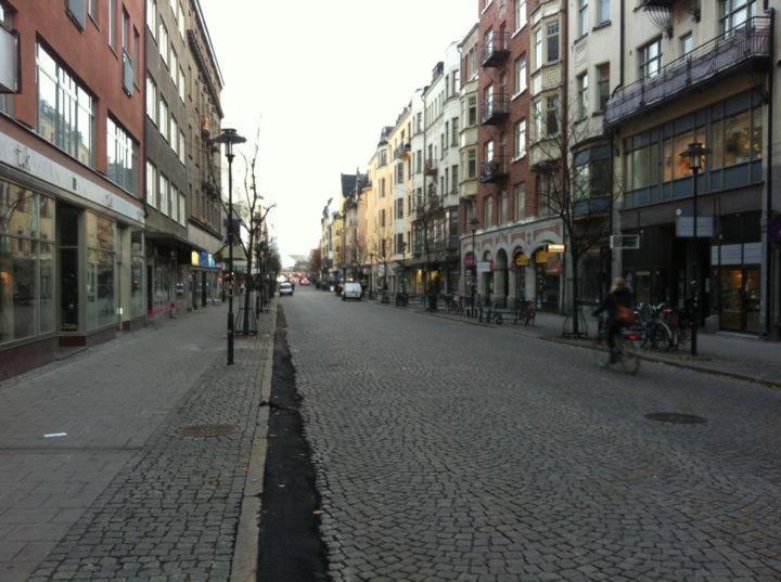 nu ledsagare träldom i Örebro