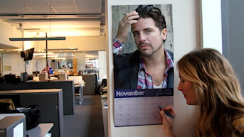 """Hannas dreamboy Sigge""""mr november"""" Eklund har äntligen tagit plats på väggen."""