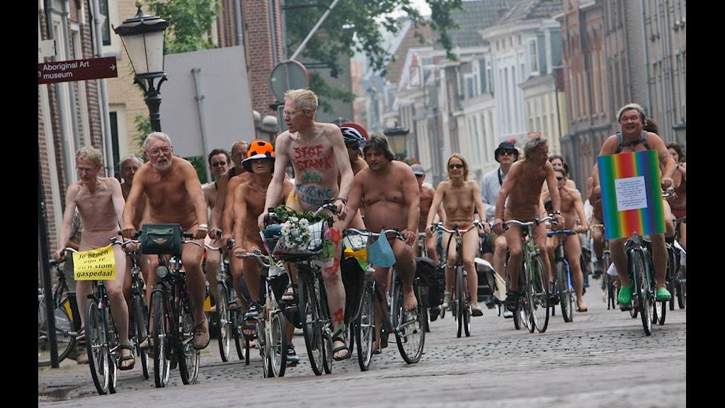 privehuis oss vrouwen fietsen