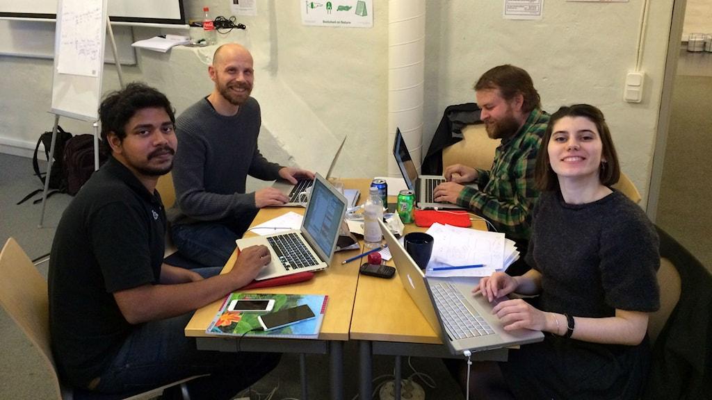 Kaviraj Murugesan, Robert Nyman, Per-Olov Jernberg, Elif Akmanlar skapade prototypen Eggspire för att minska matsvinnet. Foto: