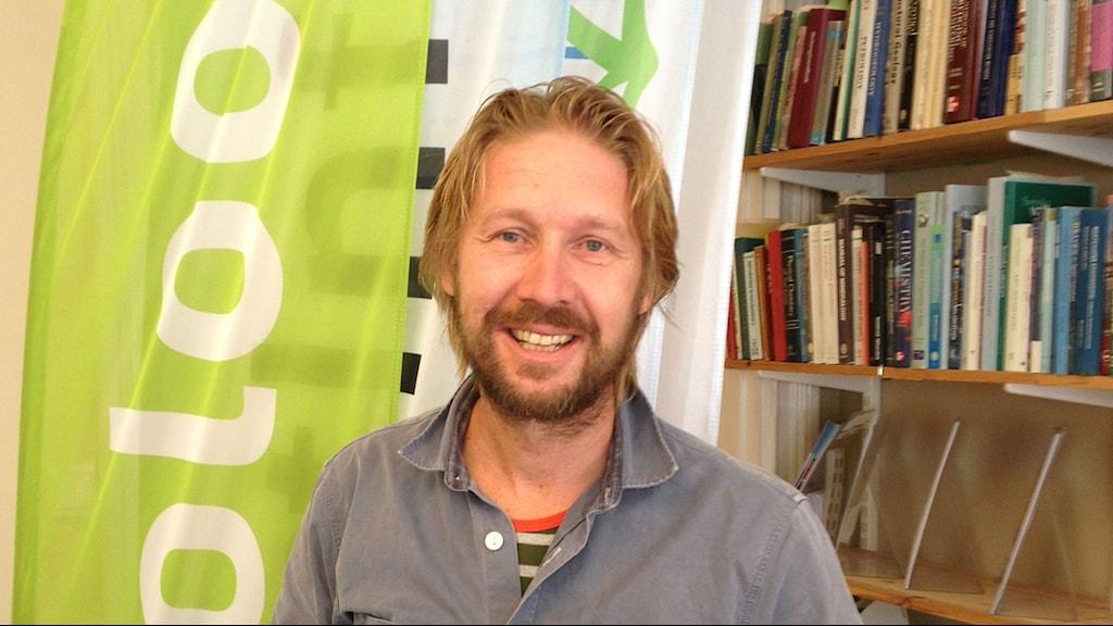 """Mats Johansson, systemekolog på Ecoloop har följt slamdebatten i  över tjugo år: """"Den kör i diket gång på gång"""" Foto: ML Kristola/Sveriges Radio"""