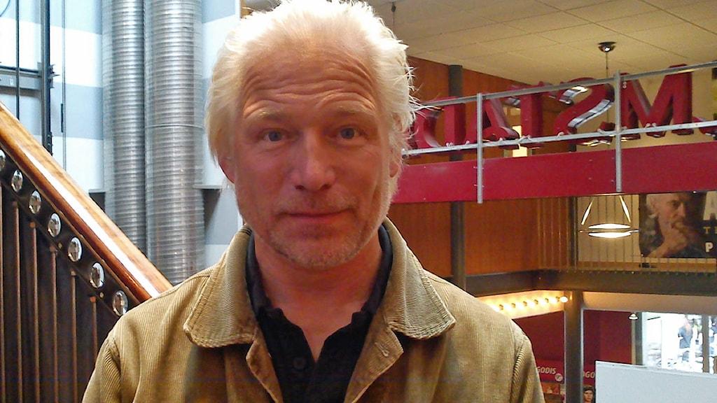 Hannes Holm Seris Hannes Holm tillbaka i Malm Morgon i P4 Malmhus