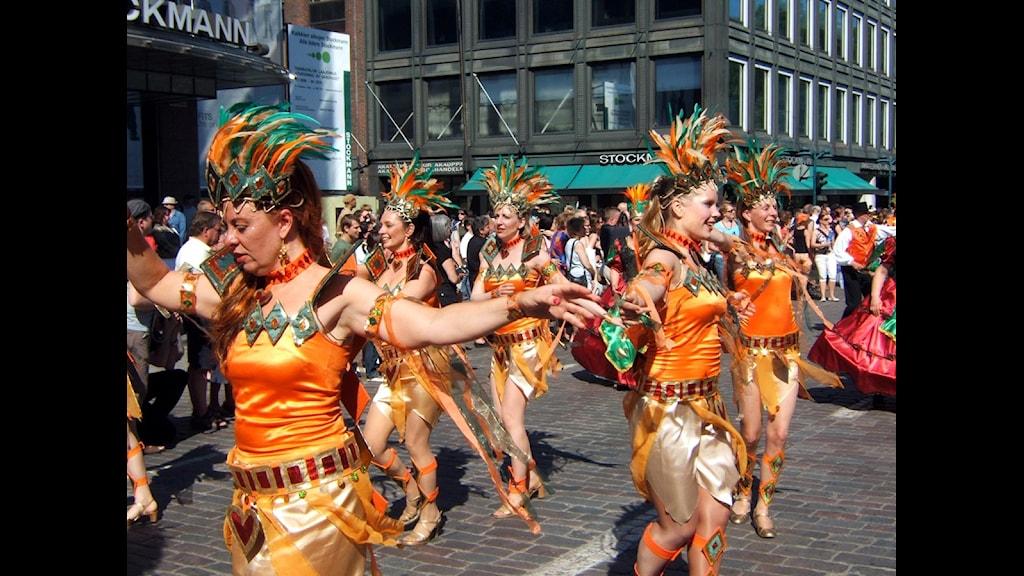 Helsingin viime kesän sambakarnevaalilta