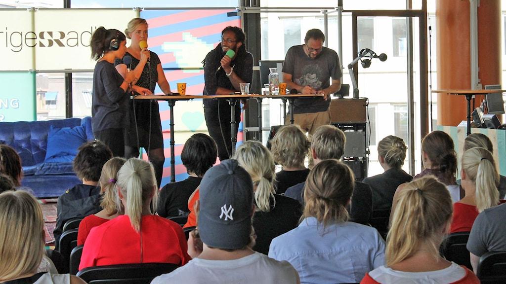 Tankesmedjan sänder LIVE från Kulturhuset. Foto: Sveriges Radio