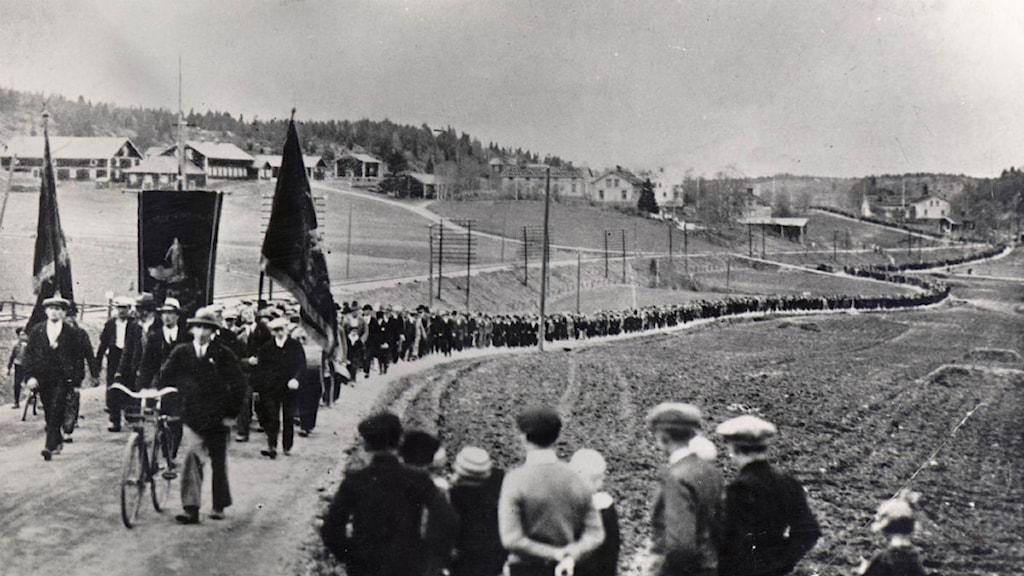 Svartvit bild på demonstrationståget i ådalen 1931Foto: Scanpix
