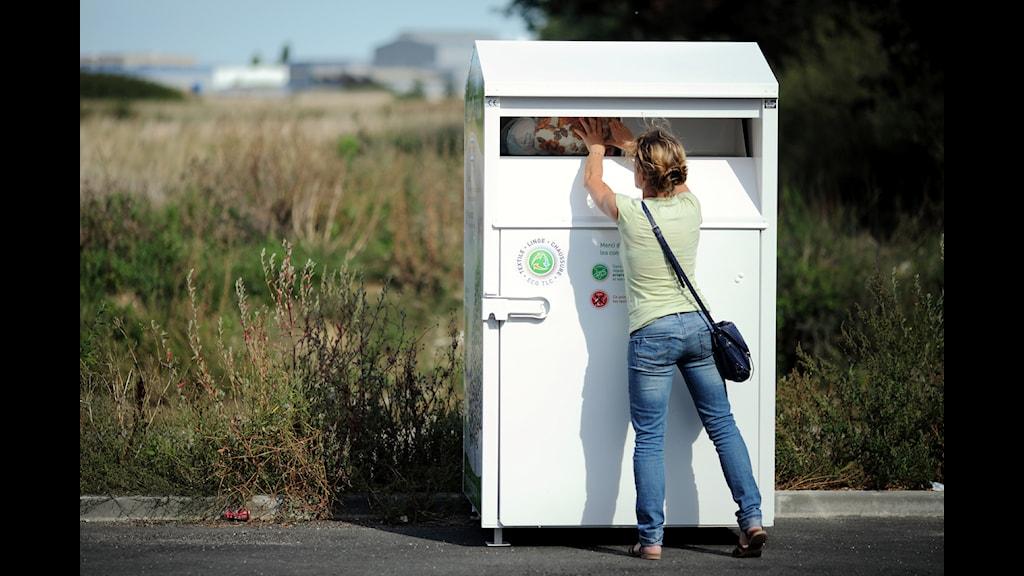 Franska konsumenter lämnar en stor del av sina kläder till återvinning. Foto: ECO TLC