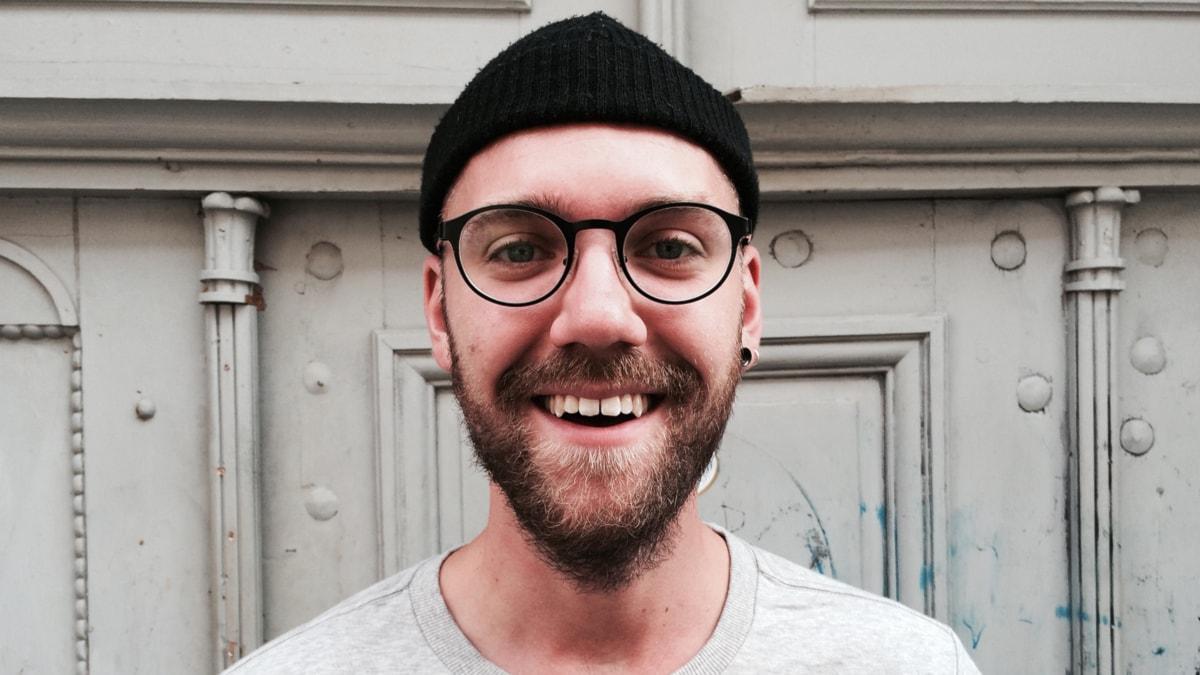 DIN PLAYLIST: Carl guidar oss till den danska musikscenen