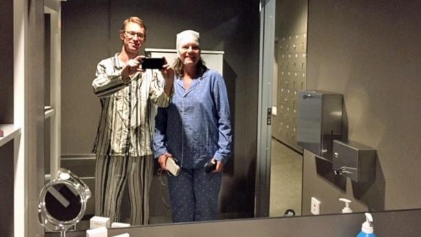 Drömskt pyjamasparty i robotsäng på museet