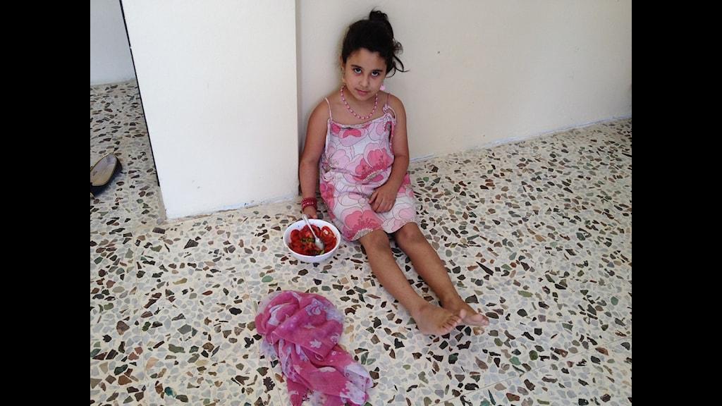 Abeer 8 år säger att sunniterna är på Israels sida. Foto: Cecilia Udden/SR