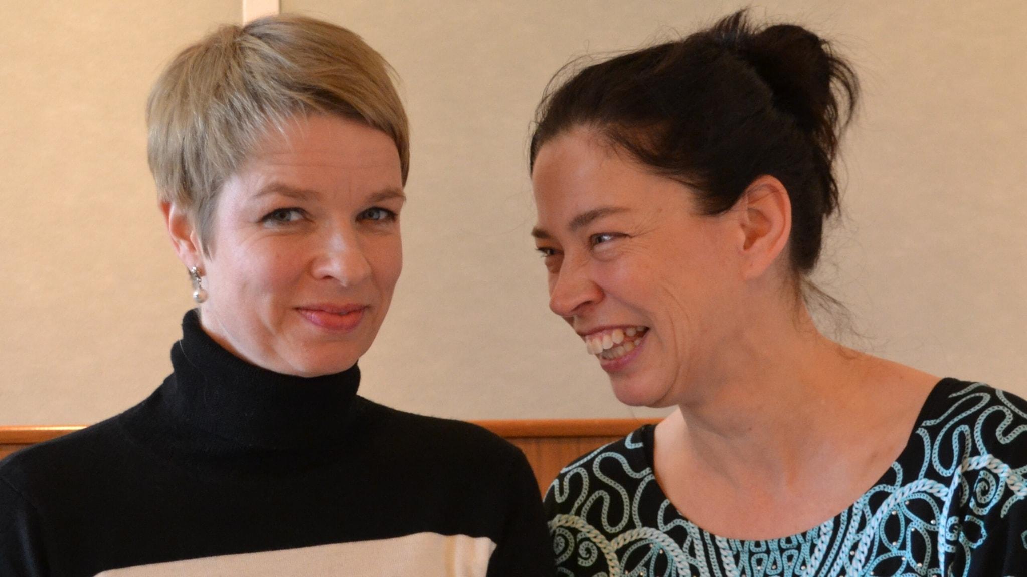 Komplicerad moderskärlek, och så två internationella författare som besöker Stockholm och Lundströms bokradio.